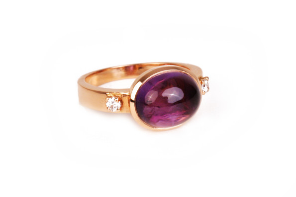 pink gold ring with amethist